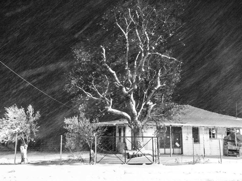 Snowfalls-Alonia,-evening alonia greece